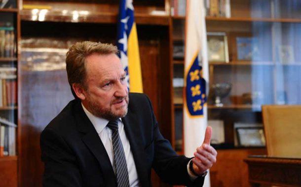 SDA: Biće revizije tužbe protiv Srbije