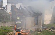 Požar u centru Zvornika: Izgorio pomoćni objekat
