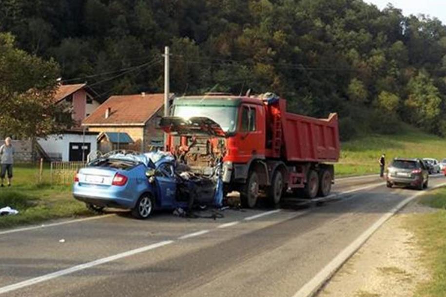 Photo of Teška nesreća kod Zvornika: Poginuo bračni par, djevojčica u teškom stanju