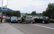 Dvije osobe povrijeđene u sudaru tri automobila