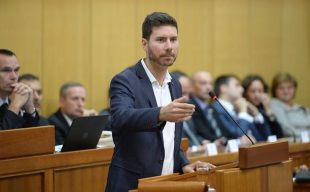 Photo of Ko je Ivan Pernar: Skandal majstor ili borac za čovjeka? (video)