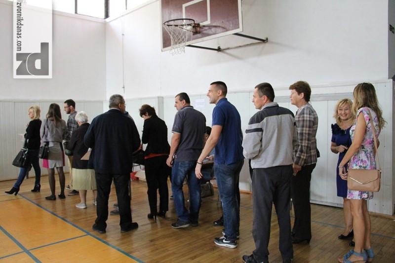 Photo of U Zvorniku glasalo 19 odsto birača do