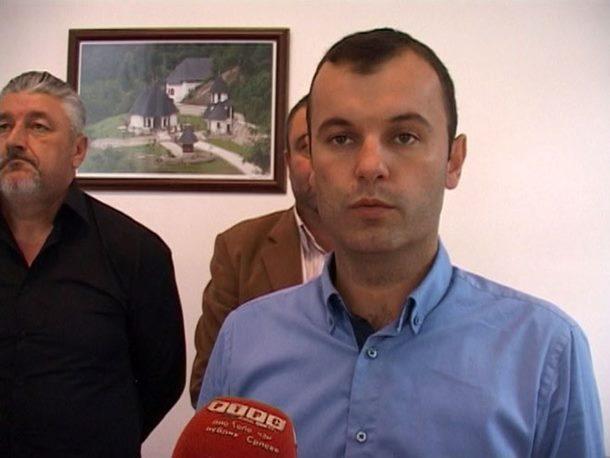 Grujičiću i njegovoj supruzi upućena prijeteća SMS poruka