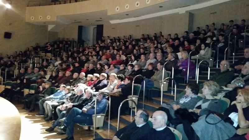 Photo of Predstava 'Kod Tita u raju' komedija koja puni dvorane širom regije i u Zvorniku