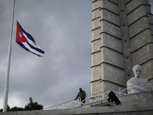 Photo of Kuba žali za Fidelom Kastrom, ceremonije sjećanja na Trgu revolucije