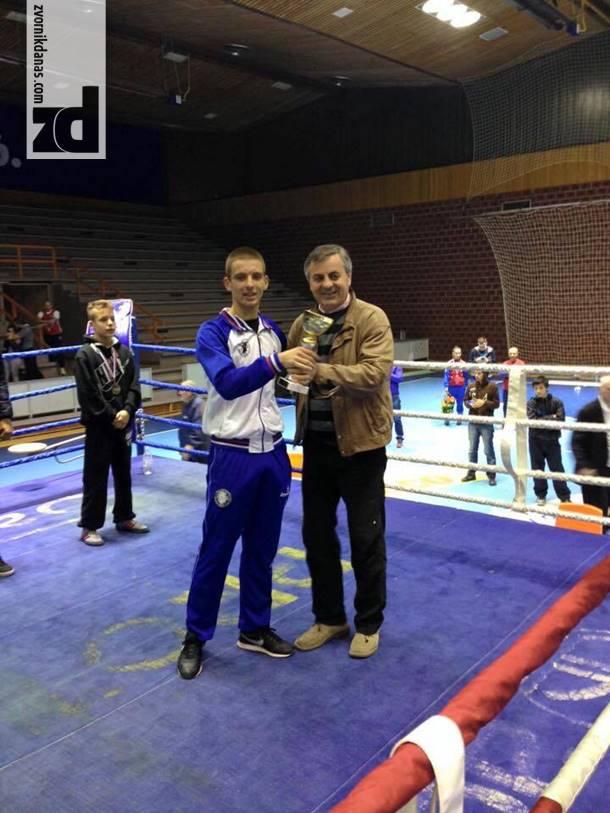 Photo of Mladi zvornički bokser najbolji strani bokser