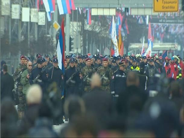 Photo of Svečani defile za Dan Republike- postrojen i Treći pješadijski puk; Dodik- nikada nećemo odustati od Srpske