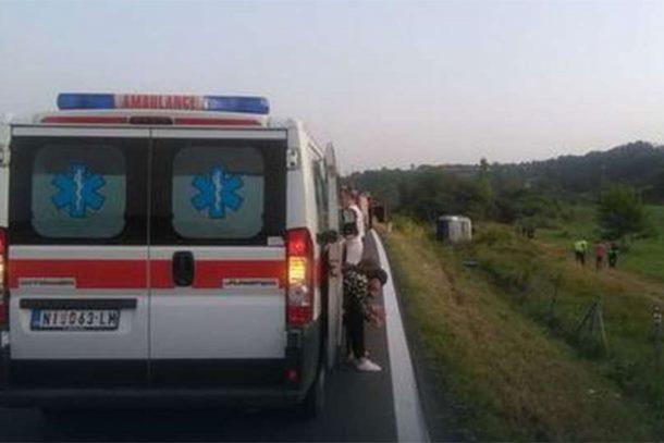 Photo of Autobus sa srpskim vojnicima sletio s puta, više lica povrijeđeno