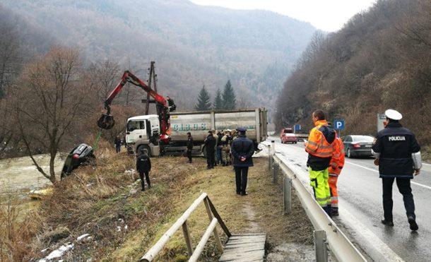 Photo of U rijeci Lašvi pronađena tijela dvojice mladića iz Zenice, traga se za trećim