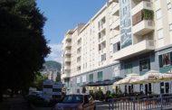 Zapaljena zastava BiH na zgradi zajedničkih institucija u Mostaru