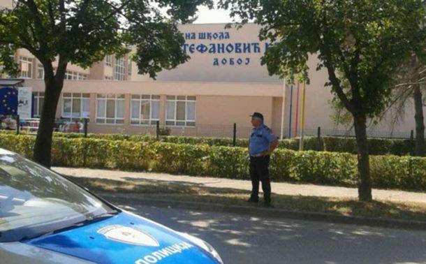 Photo of Doboj: Fotografisao učenice i dobio batine