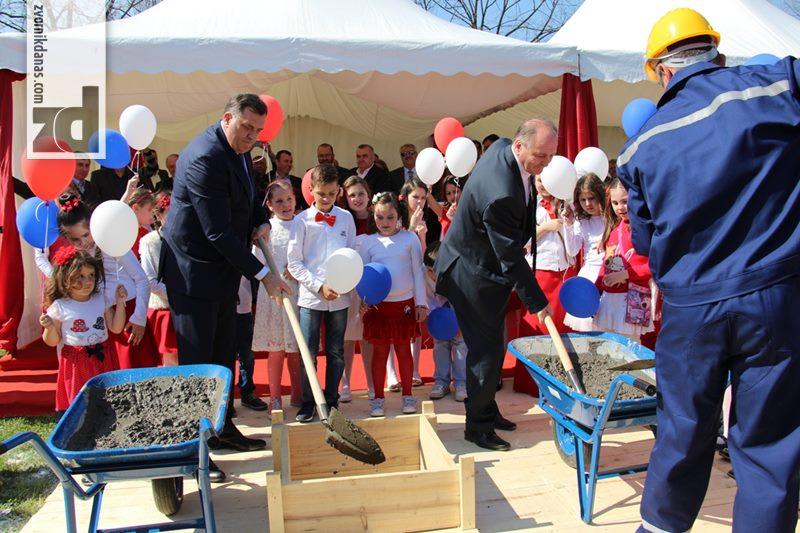 Photo of Dodik, Motika i Vržina položili kamen temeljac za obdanište