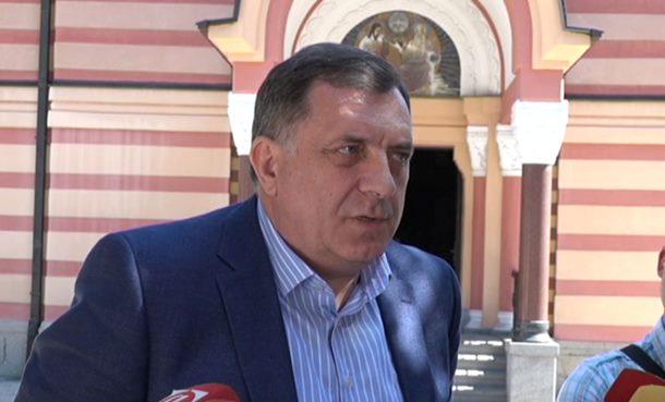 Dodik patrijarhu Irineju i vjernicima čestitao Vaskrs
