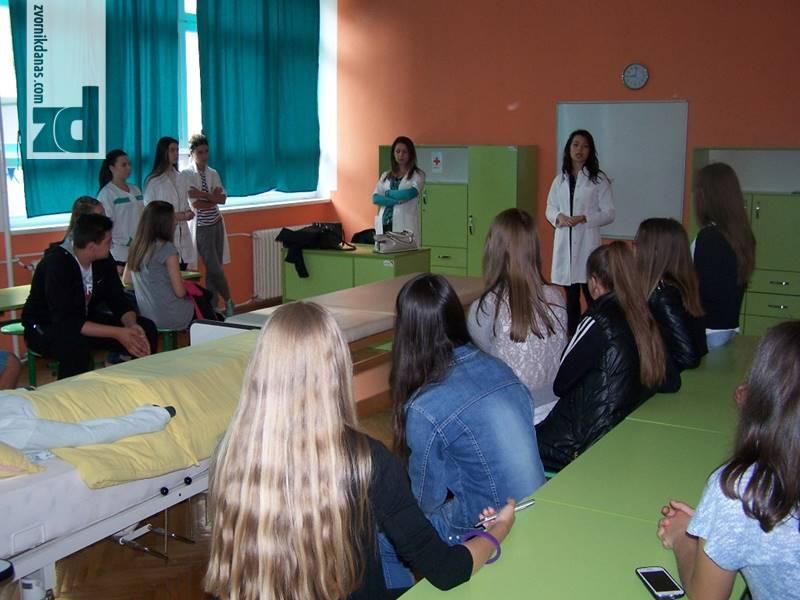 Photo of Osnovci u posjeti srednjoj školi