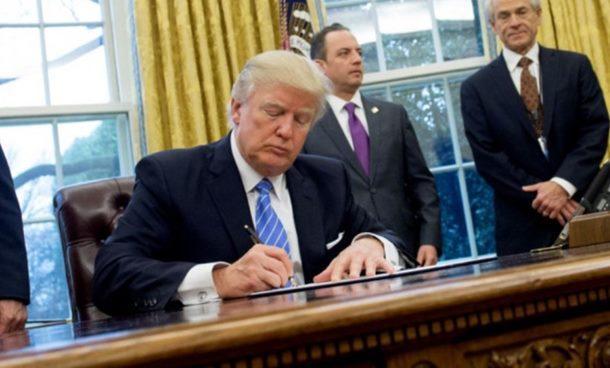Tramp potpisao: Crna Gora ide u NATO