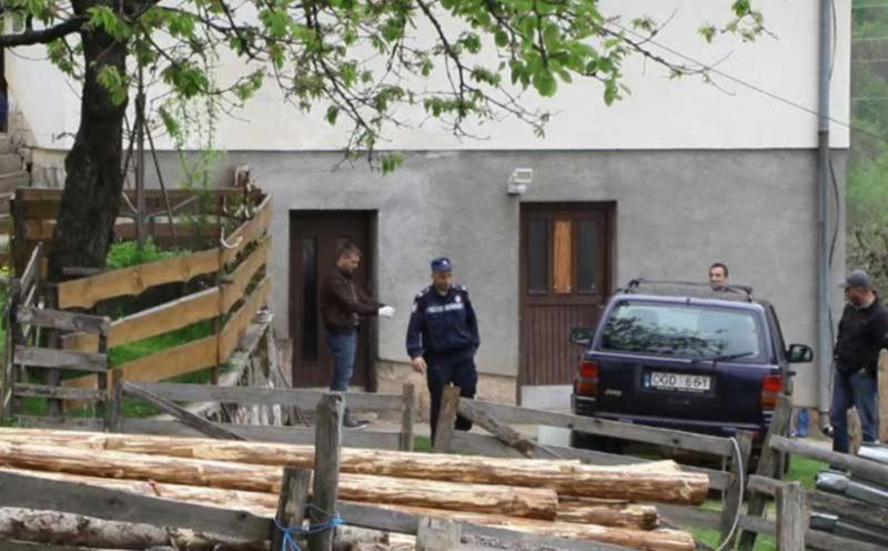 Photo of Tragedija u Bijeljini : Zaklao suprugu pa sebi presudio konopcem?