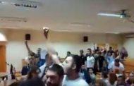 Studenti pjesmom 'Oj Kosovo, Kosovo' prekinuli tribinu 'Žena u crnom'