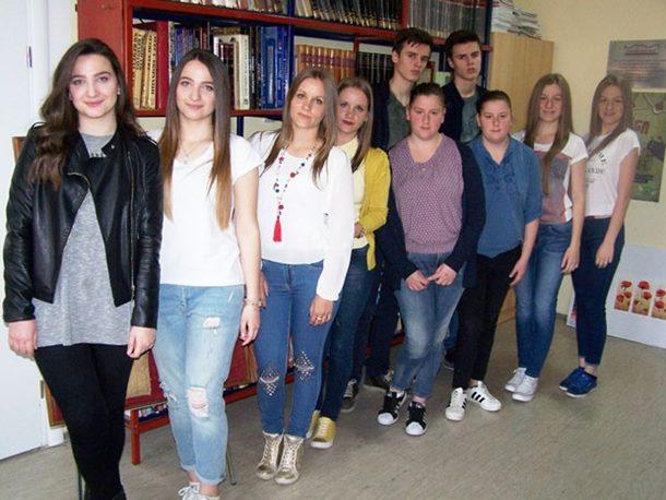 Photo of Zvornik: Blizanci ponos škole i roditelja