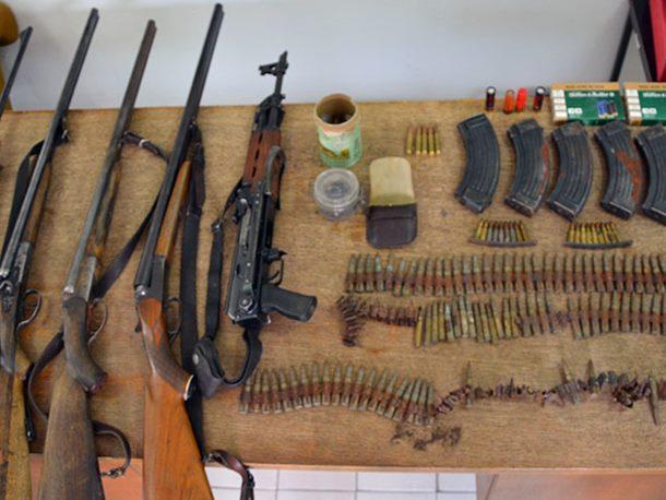 VBA zaplijenila arsenal oružja na putu ka Makedoniji