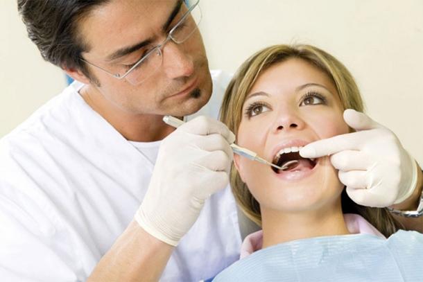 Zubar optužen za prevaru: Ženi izvadio 22 zdrava zuba