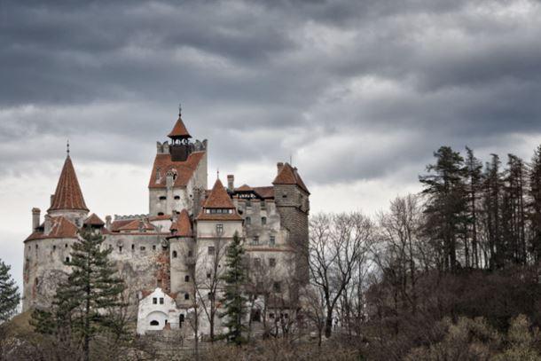 """Photo of Zbog opasnosti po bezbijednost posjetilaca zatvoren """"Drakulin zamak"""""""