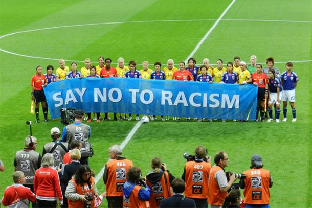 Photo of FIFA: Sudije mogu prekinuti utakmicu zbog diskriminacije