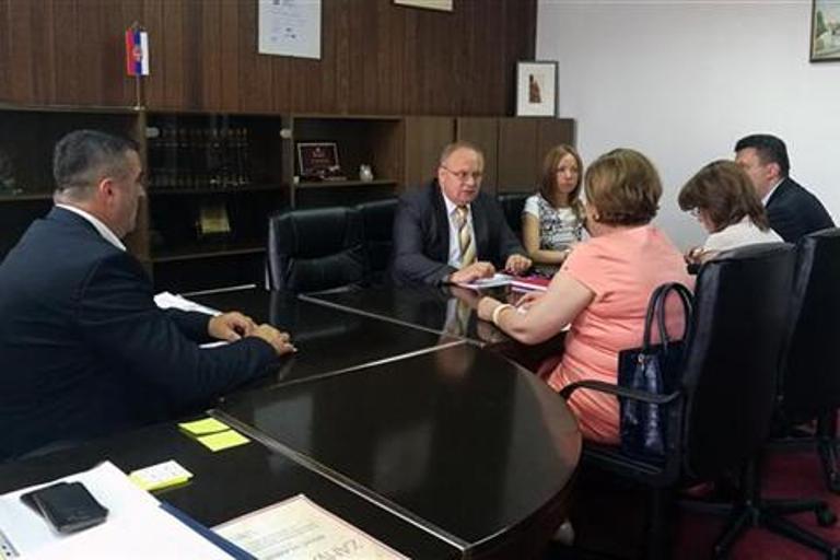Photo of Vlada će pomoći Domu zdravlja u Vlasenici u prevazilaženju problema