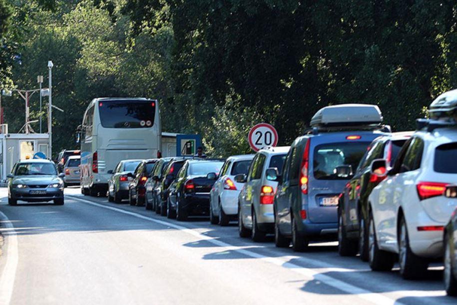 Photo of Gužve na granicama, čekanja do dva sata