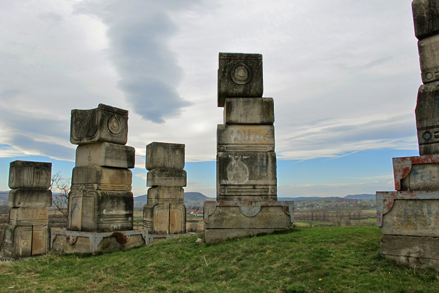 Lukić: Izgraditi spomen-hram za žrtve u Garavicama kod Bihaća