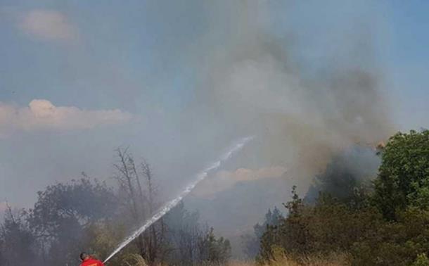 Photo of Vatra u trebinjskom selu bila na pet metara od kuća