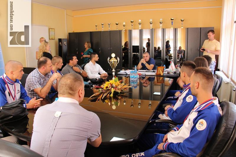 Photo of Gradonačelnik čestitao bokserima na uspjehu