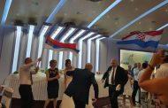 Na svadbi u Mostaru srpska i hrvatska zastava zajedno, niko se nije bunio