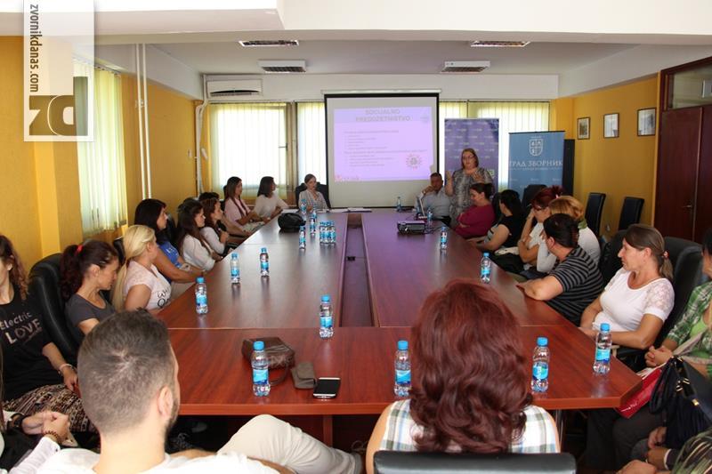 Photo of Održan Okrugli sto o zapošljavanju i samozapošljavanju osjetljivih grupa
