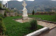 U porti crkve na Mlađevcu postavljen spomenik Slobodanu Stojanoviću