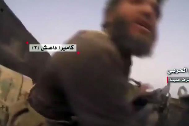 Uznemirujući snimak iz Sirije: Teroristi razneseni u tenku (video)