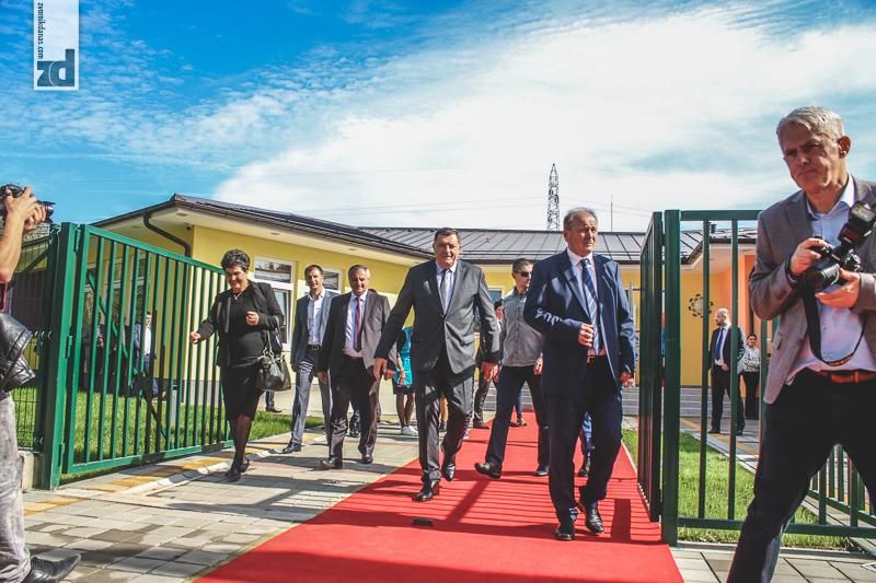 Photo of Dodik i Motika otvorili dječiji vrtić vrijedan dva miliona KM