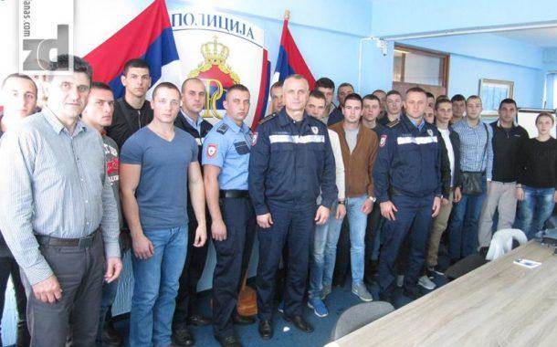 Prijem novih policijskih službenika kod načelnika PU Zvornik
