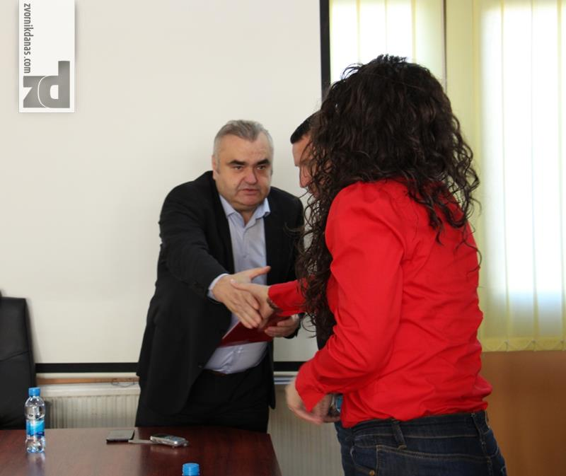Photo of Gradonačelnik Stevanović uručio rješenja bračnim parovima sa problemom steriliteta