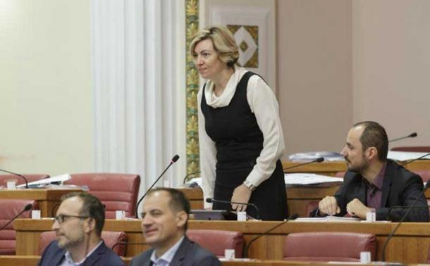 Hrvatska: Poslanica govorila na srpskom pa nastao haos