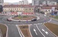 Snimak hit na društvenim mrežama: Kuršlus na kružnom toku! (video)