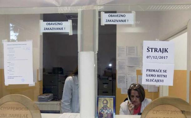 Medicinari u Vlasenici tužbama traže zarađene plate