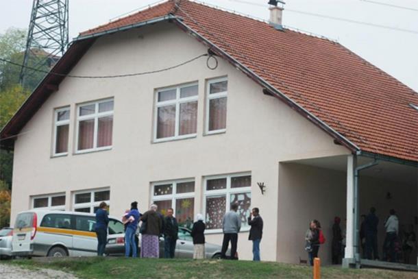 Bosanski jezik neće i ne može u đačke knjižice