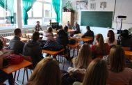 Razgovor sa srednjoškolcima o inicijativi za promociju Svjetskog dana izbora