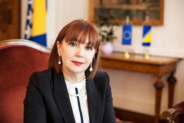 Photo of Mahmutbegović: Ako želimo da se u RS poštuje bosanski jezik Srbi moraju biti konstitutivni u FBiH