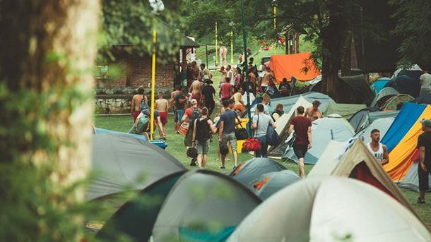 Photo of Na Tjentištu bukirani hotelski kapaciteti, aktuelna ponuda OK kampa