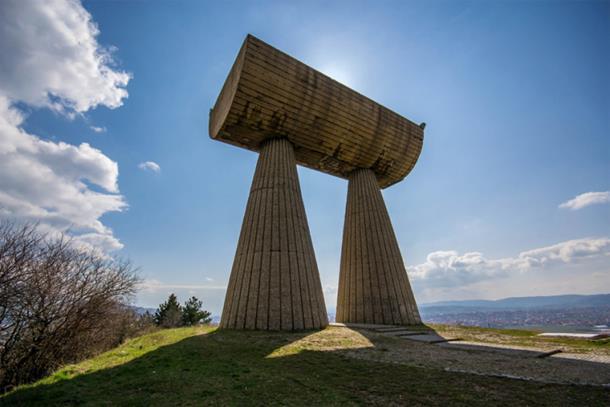 Photo of The Independent: Posjetite spomenike na Kosovu u Srbiji