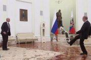 Putin i Infantino igrali fudbal u Kremlju