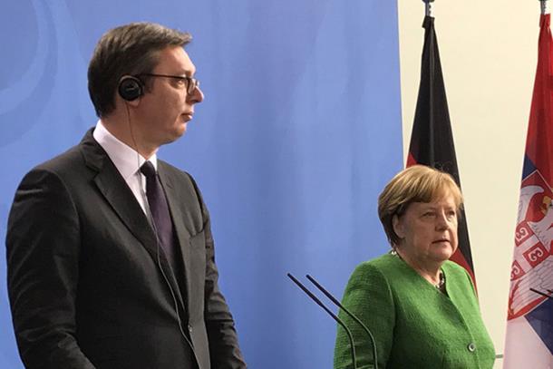 Photo of Merkelova Vučiću: Srbija igra ključnu ulogu oko Kosova i BiH