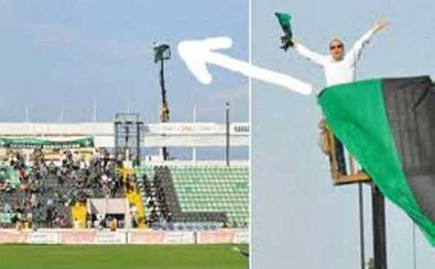 Photo of Zabranili mu ulazak na stadion, on iznajmio kran