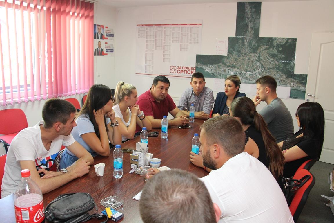Photo of Mladi socijaldemokrati regije poručili – neupitna apsolutna pobjeda naših kandidata Cvijanović i Dodika (foto)